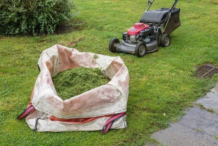 It is important to prepare trash bag when using the lawn mower for proper disposal