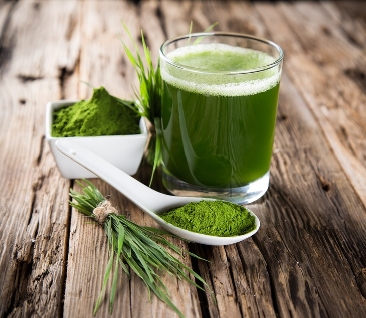 Fresh wheatgrass juice powder is the best.
