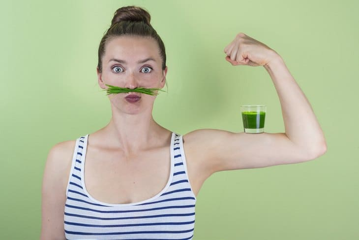 Wheatgrass can help boost your stamina and energy.