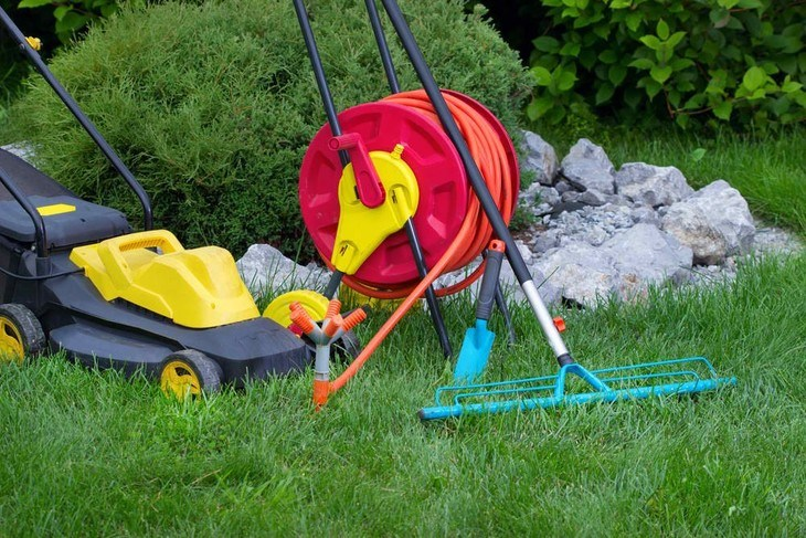 Lawn sweeper is must addition to your lawn tools