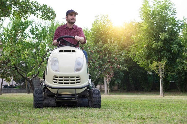 It is more convenient to cut the grass while using a garden tractor