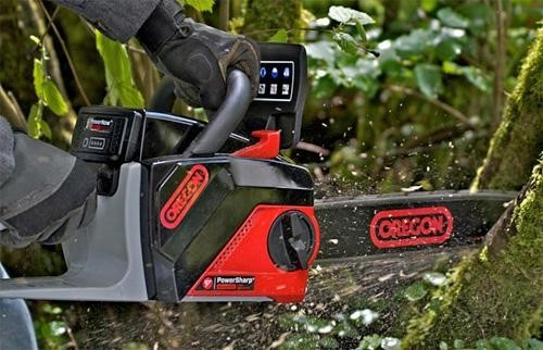 A battery powered chainsaw is the perfect balance between portability and affordability