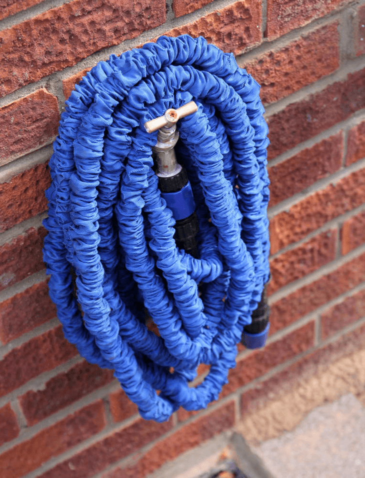 A collapsible hose is a lot easier to store and use as compared to a regular hose.