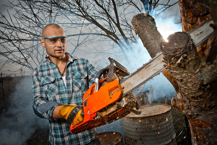 Big high-powered chainsaws are ideal for most jobs