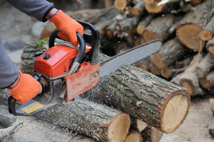 Chainsaws are the best tools to use when ripping lumber