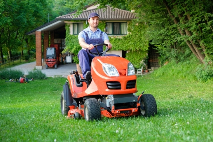 For safety purposes, it is advised for you to wear the recommended gear, such as an overall, when mowing your yard