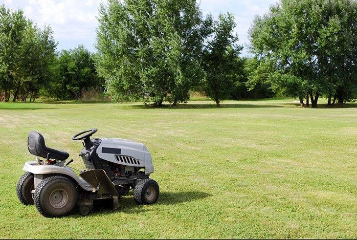 The cut width of the mower describes how wide the mower can cut in just a single pass