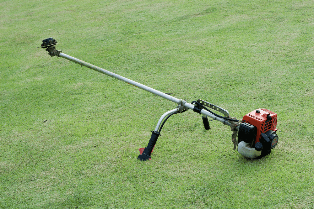 Get a brush cutter that can be started up easily so that you won't have a hard time