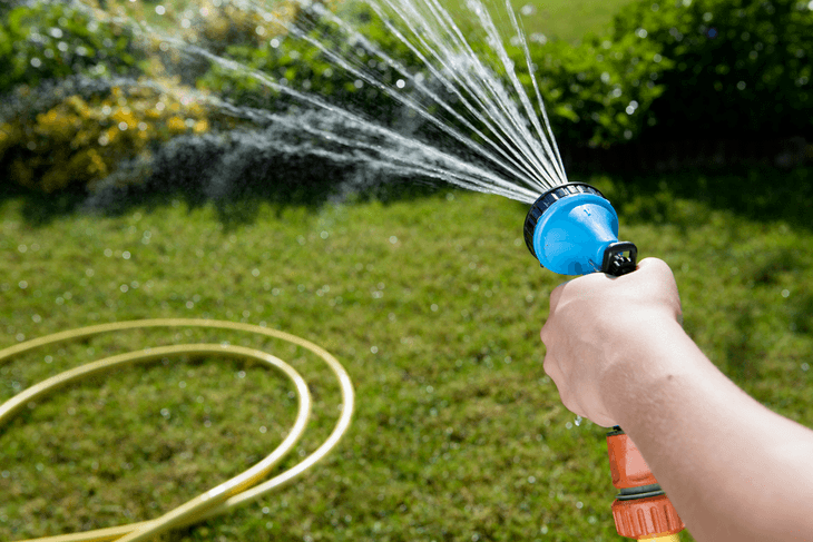 Older people, small-framed men and women, and children can all benefit from lightweight garden hoses as this does not tire them despite long uses