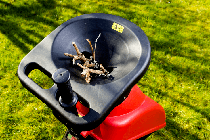 The Brush Master 15 hp Chipper Shredder has wide mouth diameter and can accommodate large pieces of twigs